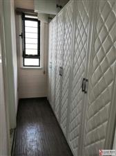 碧桂园19楼141平米精装三居室可贷款
