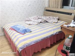 鹤山小区3室2厅1卫106万元