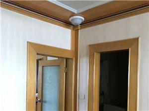 朝陽街小學3室1廳10000元/年空調房領包入