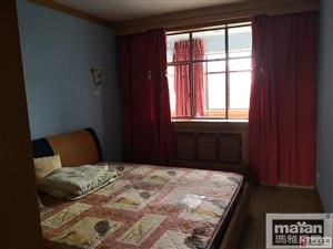 五一街区3室2厅1卫1600元/月