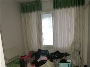 华彩步行街3室2厅2卫1316元/月