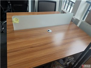 龙泉驿超低打包价!办公室会议桌、办公桌各一套!