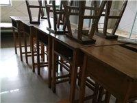 学生木质桌椅转让