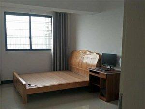 龙腾中浩地王商业广场4室2厅2卫2600元/月精装