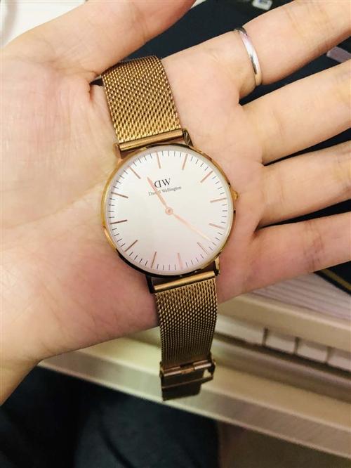 买了4个月的Dw手表出售