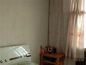 庄浪县西关小区3室1厅1卫1300元/月