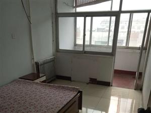 老技校院内3室2厅1卫1000元/月