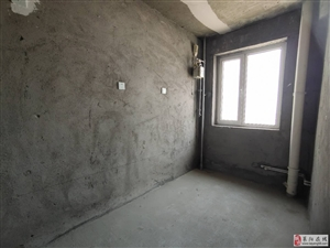 一手房市中心府前片120平电梯房11楼南北通透