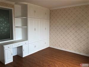 蚬河小区3室 精装,带小房 1卫59万元