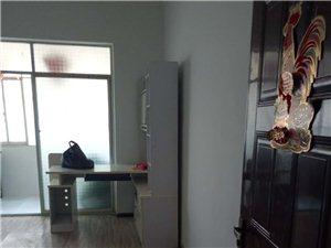 华彩步行街3室2厅2卫1063.元/月