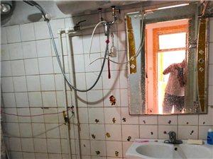 玉带小区 3室精装 上下两层1400元/月