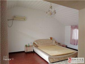 滨江花园5室2厅3卫50万元