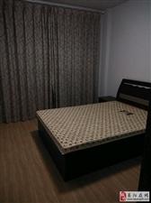 飞龙花园3楼2室2厅1卫1500元/月
