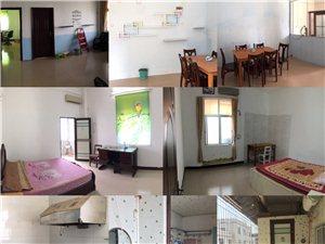 2室2厅2卫750元/月带厨房有摩托车库套间
