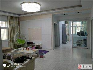 国际大酒店旁阳光水岸4室2厅2卫含车库65万元