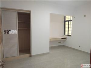 盛世皇冠精装2房空房1400月适合办公或居住