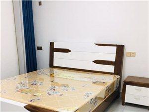 广场家园3室2厅2卫1900元/月