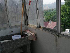 海峰公路門面上3室2廳1衛1000元/月