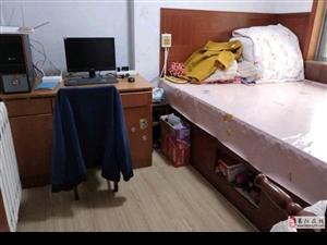 蚬河小区3室2厅1卫精装4楼48万元
