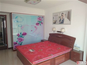 辛格庄3室2厅2卫精装带车库2500元/月