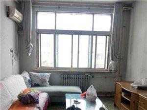 1013老交通小区2室2厅1卫700元/月