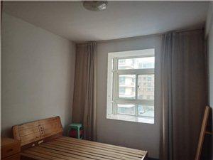 红三环家园3室2厅2卫1200元/月