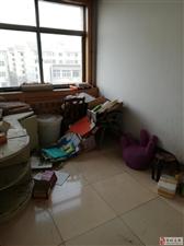 东滩路2005年多层宏达小区5楼116平三室48万