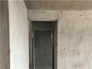 龙湖888毛坯房118平高层钥匙在手
