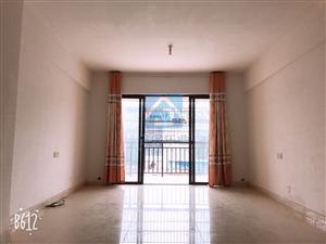 简单装修 前排无遮挡 三房 电梯房 阳光足 超大阳台