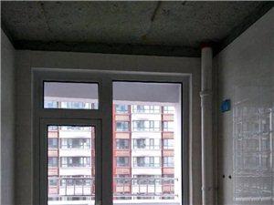 怡和名士豪庭3室2厅1卫170万元