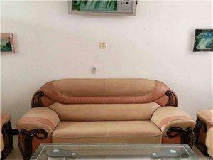 水东室2厅2卫1500元/月