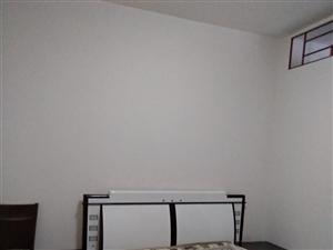 東西大街2樓3套2裝修家具家電齊全1100元