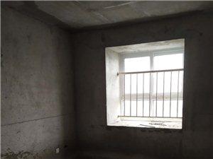 市府花苑3室2�d1�l77�f元�梯中��