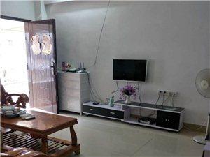 新加坡花园3室2厅2卫1600元/月