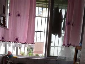 保和苑4樓2套1精裝修家具家電齊全空調3臺1100