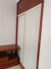 富��家苑3室2�d1�l1250元/月