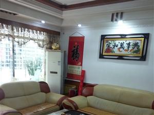 凤山新村3室2厅2卫1800元/月