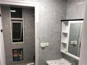 朗曼新城2室2廳1衛2000元/月精裝修