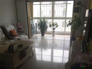 龙凤嘉园西区4室2厅1卫64万元