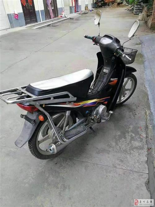 豪爵铃木摩托车一辆便宜出售