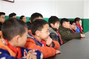 枝江市关心下一代 工作委员会慰问贫困学生