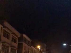 可怕!昨晚西环路小车自燃!