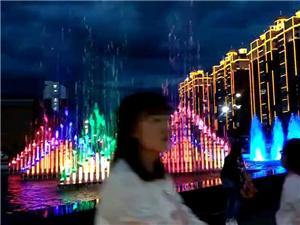 音乐喷泉,夜景,美
