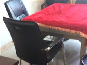 出售二手麻将机,另外有单独的四个椅子出售,都是九成新,由于搬家不能带走,所以转让了,有看得上的带着