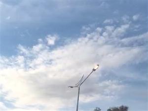 永安大街这个路灯今儿也是很任性了,一直没关