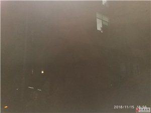 仁寿县北斗镇初级中学门口路灯不亮都几个月了娃娃放学都不好找人
