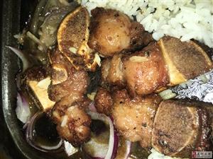 举报某餐厅黑椒牛骨铁板饭怀疑拿猪肉充数