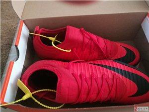 有想买足球鞋的朋友吗??