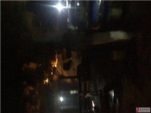 人民大道综合市场每天晚上到早上拥堵事件