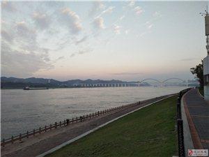 早步滨江有感触